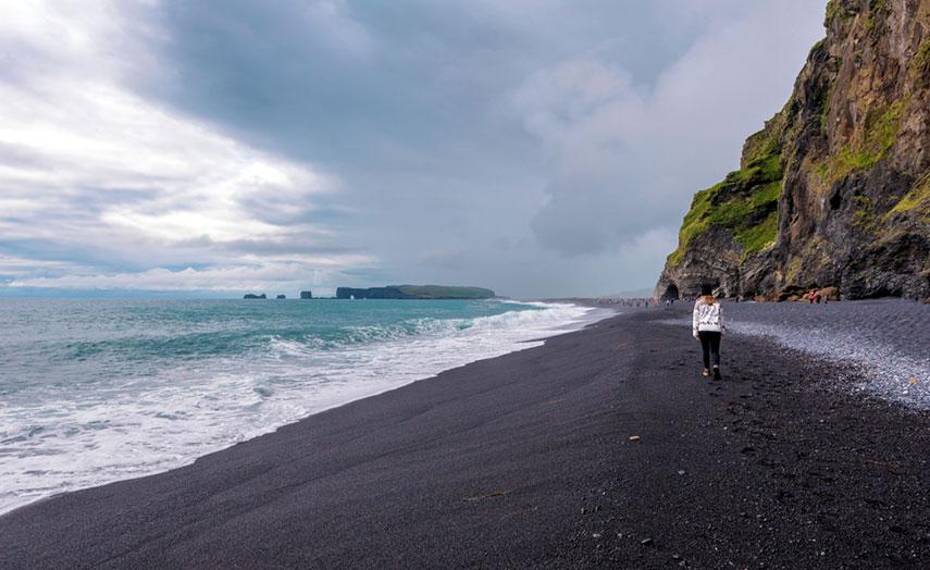 Reynisfjara Island schwarzer Strand