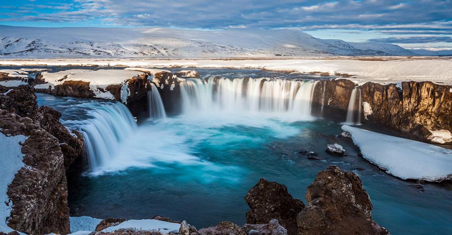 Island Wasserfälle Winter Reise Auto mieten