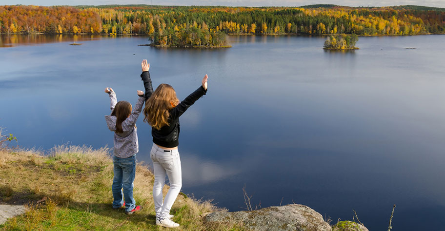 Schweden Ferien mit Kindern Entspannung in der Natur Seen